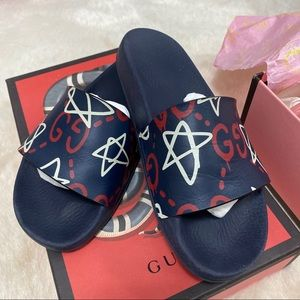 Gucci ghost print slides blue